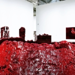 Une salle qui aura fait débat auprès de nos 4èmes, consacrée à une imposante installation de l'artiste britannique Anish Kapoor.